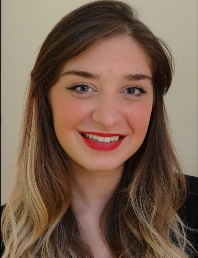 <div class=ProfilGlobal>	<span class=profilName>Chiara</span>	<br>	<br>		Age: 25	<br>	Student in Master 1 in French Literature	<br>	<br>	<span class=profilBold>Italian</span>: native	<br>	<span class=profilBold>French</span>: bilingual	<br>	<span class=profilBold>English</span>: fluent	<br>
